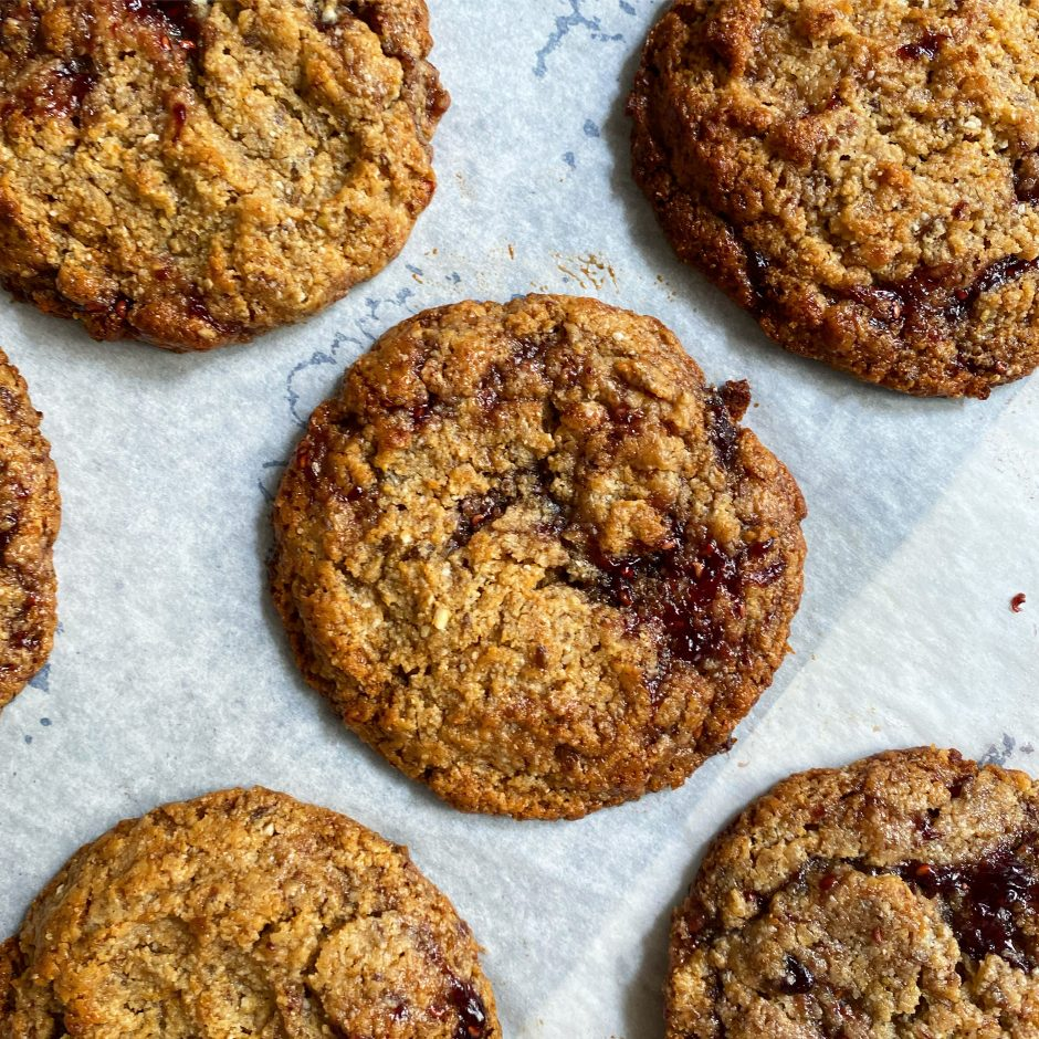 Healthy Chewy Peanut butter & jelly cookies (VG, GF)